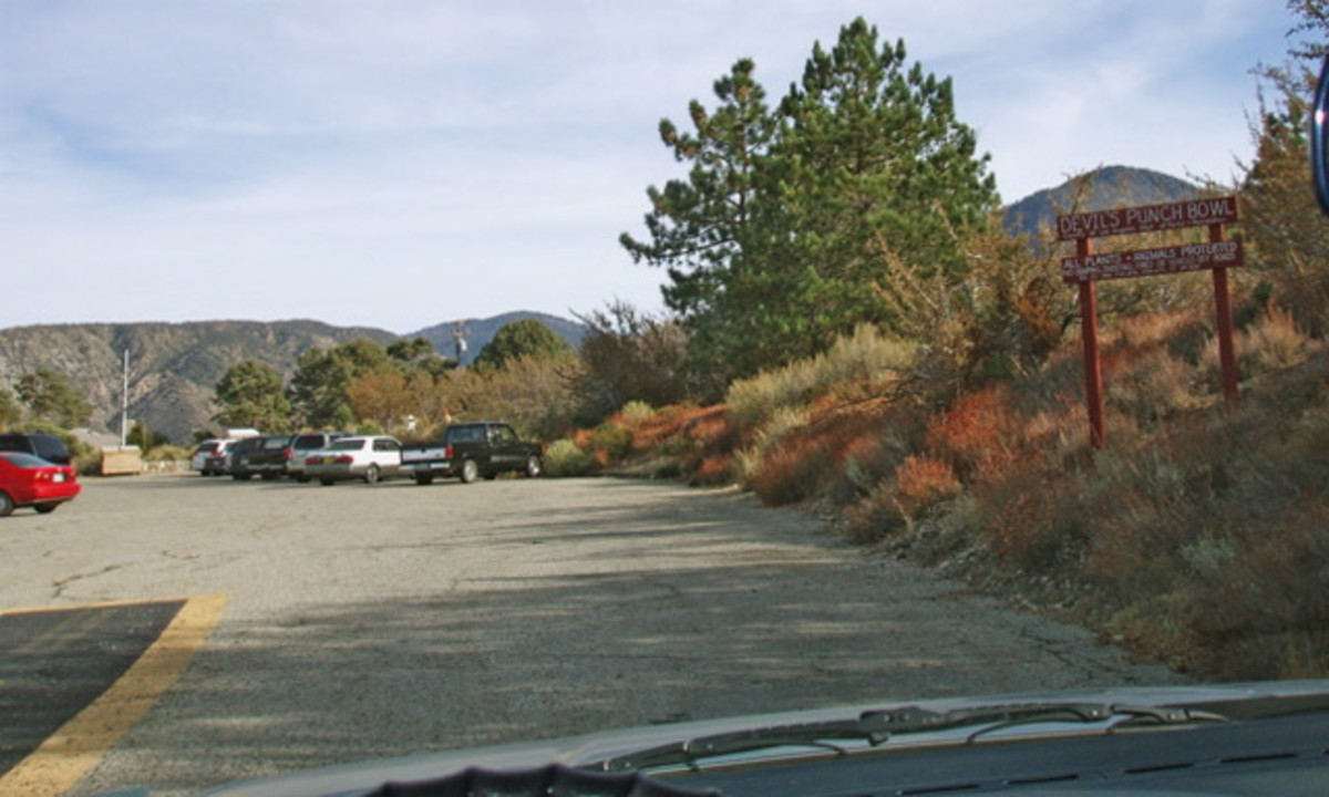 Driving into the Devil's Punchbowl unguarded parking lot. There is no entrance fee.
