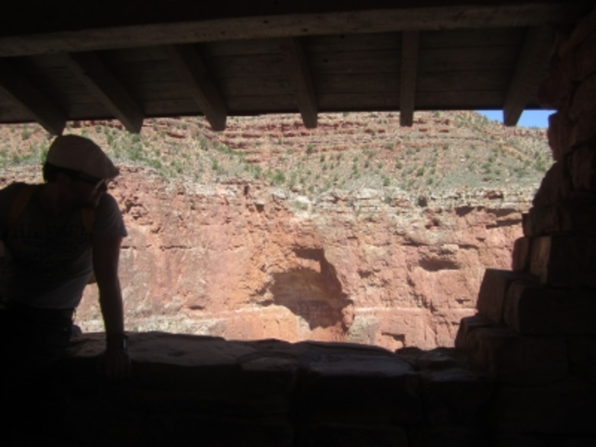 Taking a break in the shade of a rest house on the Bright Angel Trail