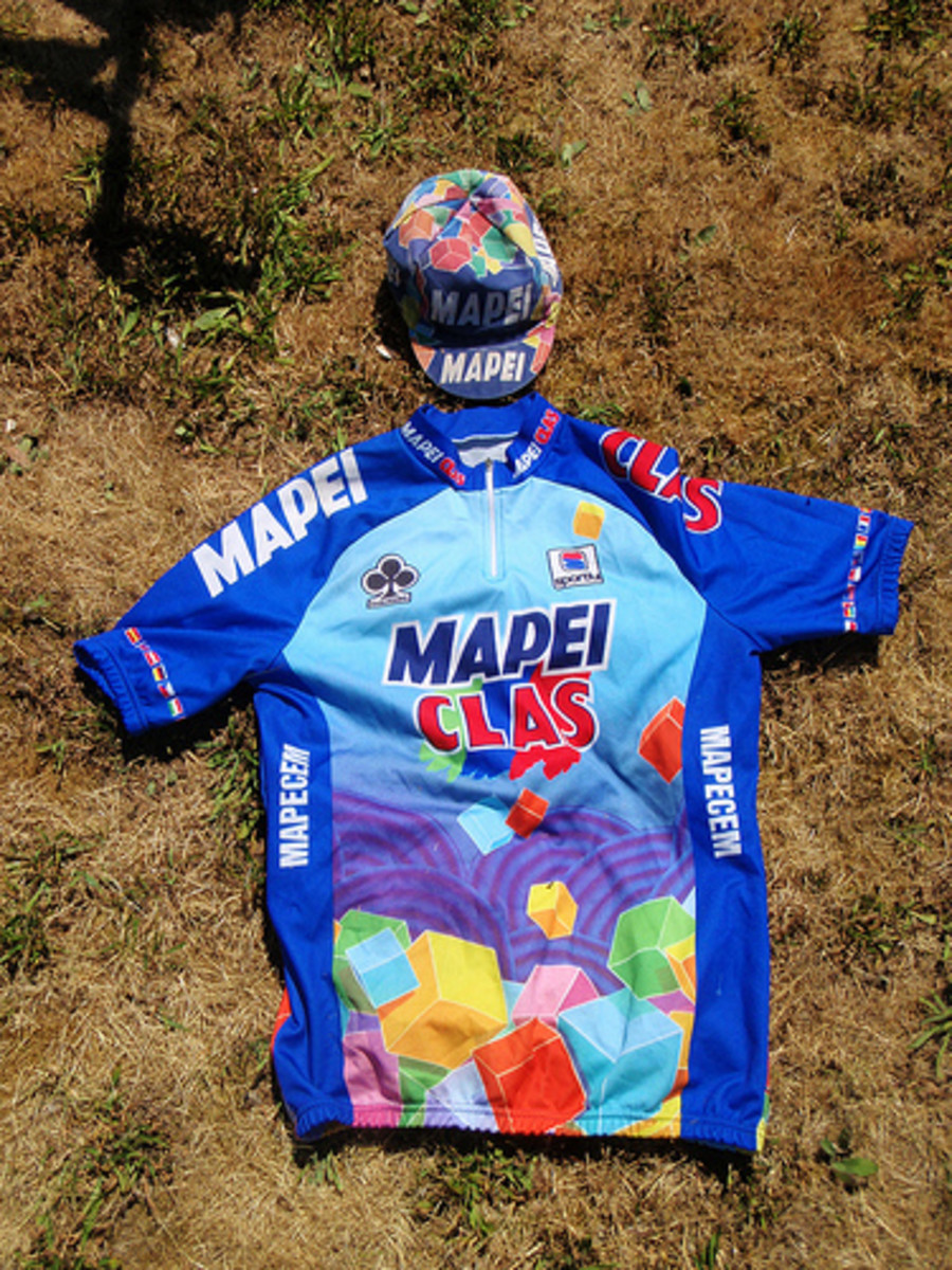 The unique colours of the Mapei cycling jersey added a touch of vitality to the Tour De France Peloton