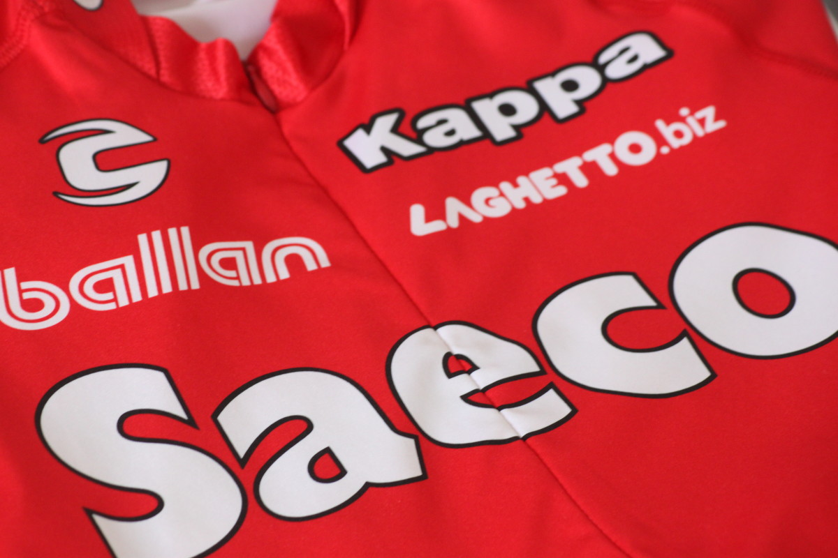 The red kit of Saeco Cannondale and the legendary Mario Cipollini and Gilberto Simoni