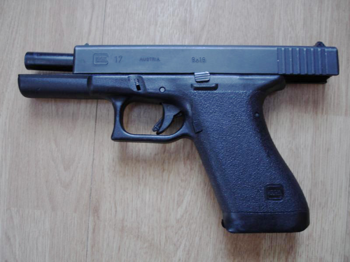 First Generation Glock 17