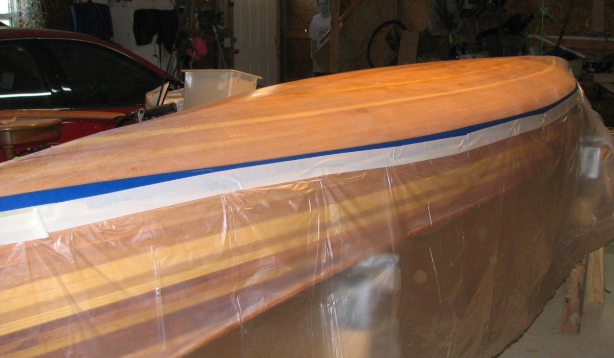building-a-cedar-strip-canoe-the-details-applying-a-graphite-bottom-coating