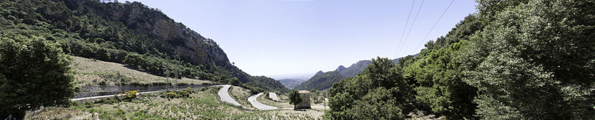 The top of the Coll de Soller from the south. Exposed and a sun trap meaning temperatures are often magnified for additional difficulty
