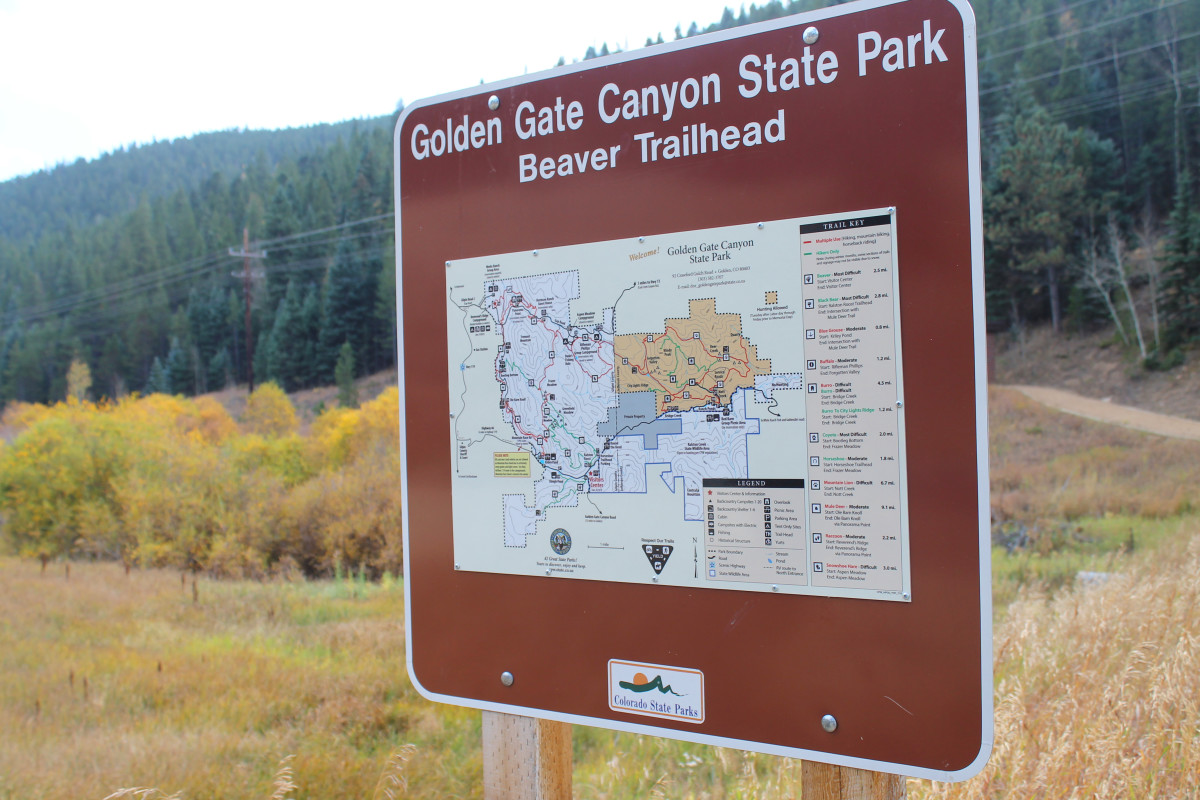 Trail head sign for Beaver Trail at Golden Gate Canyon State Park