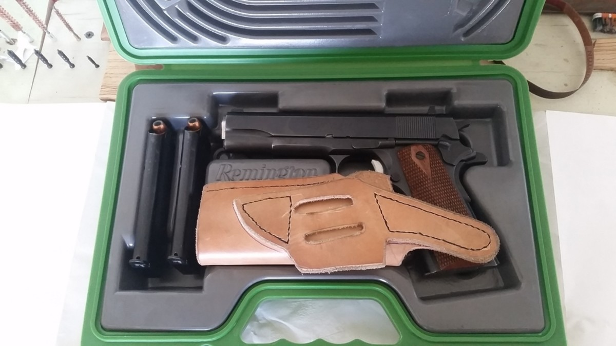 The R1 came with a very nice carry case that even had room for the holster that I made for the gun.