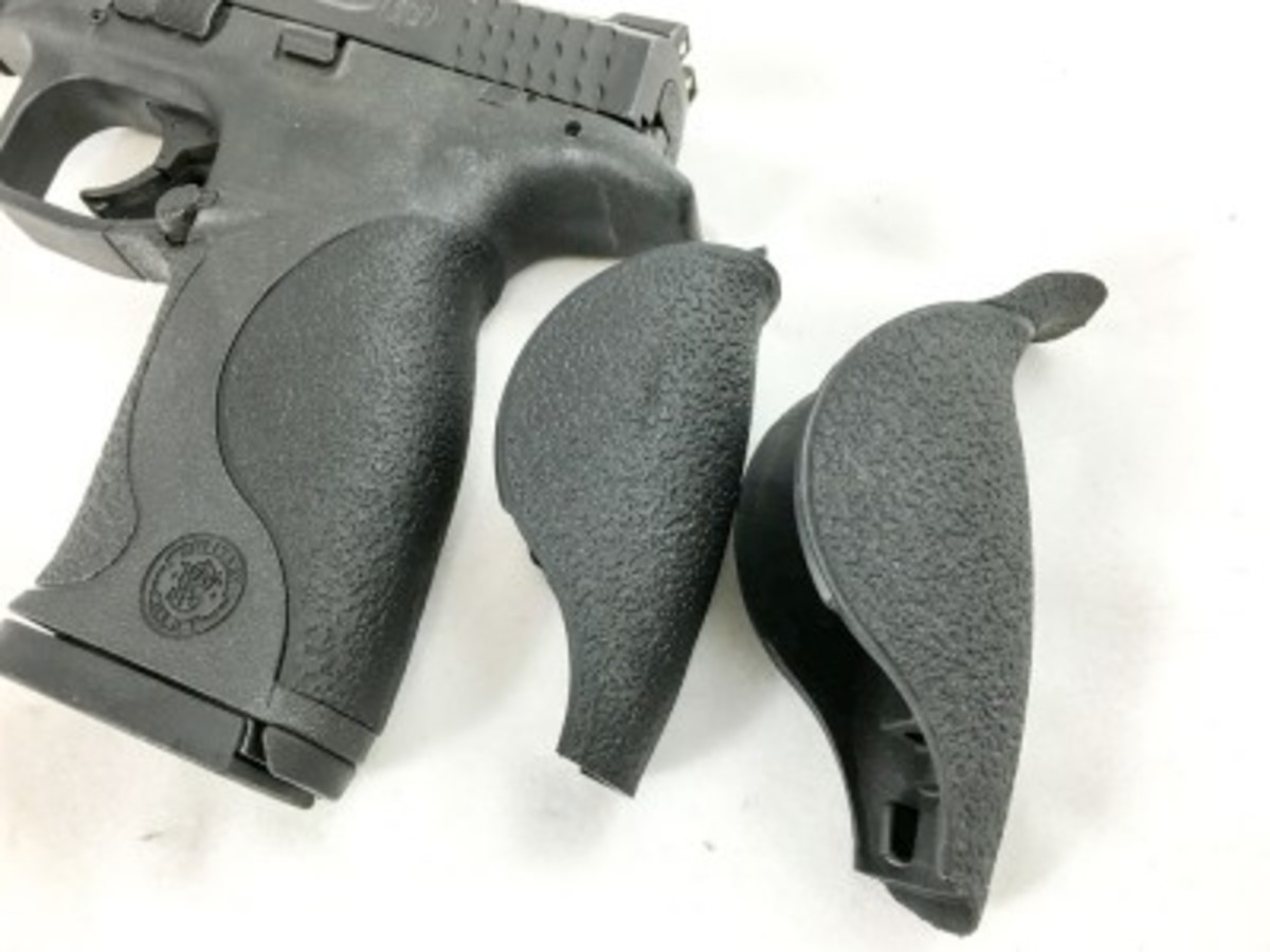 This S&W M&P comes with multiple back straps so you can find the right grip size for you.