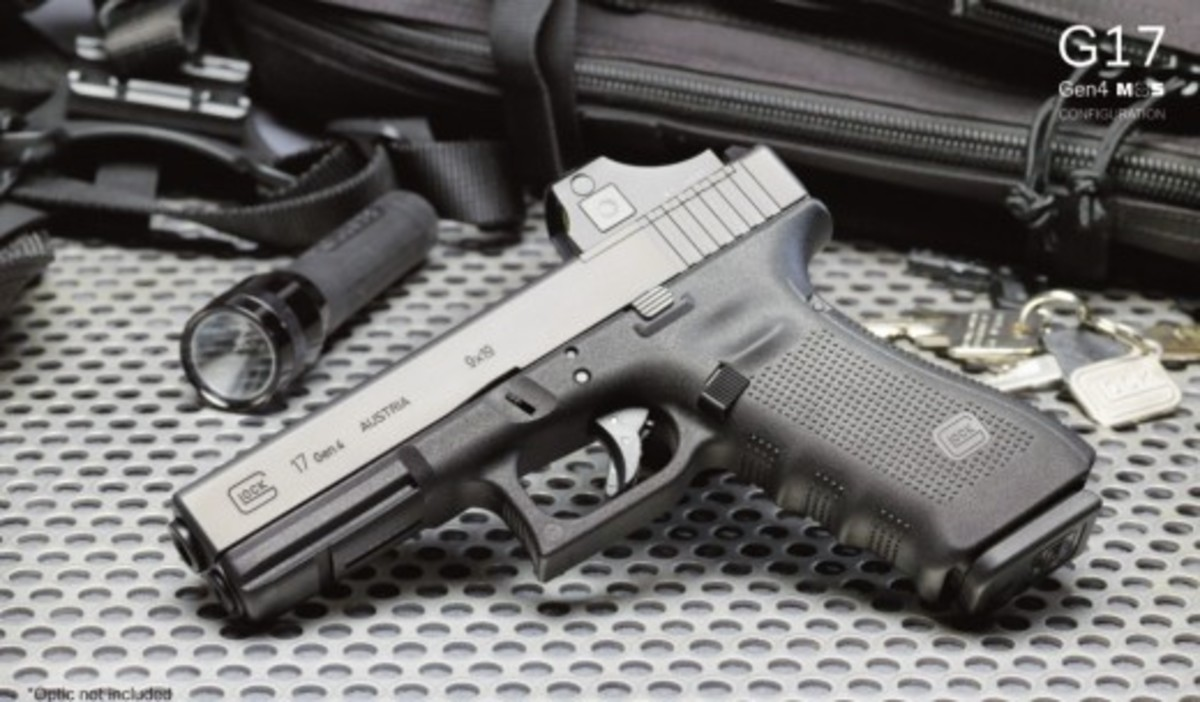 Full Sized Glock 17 with optical sight