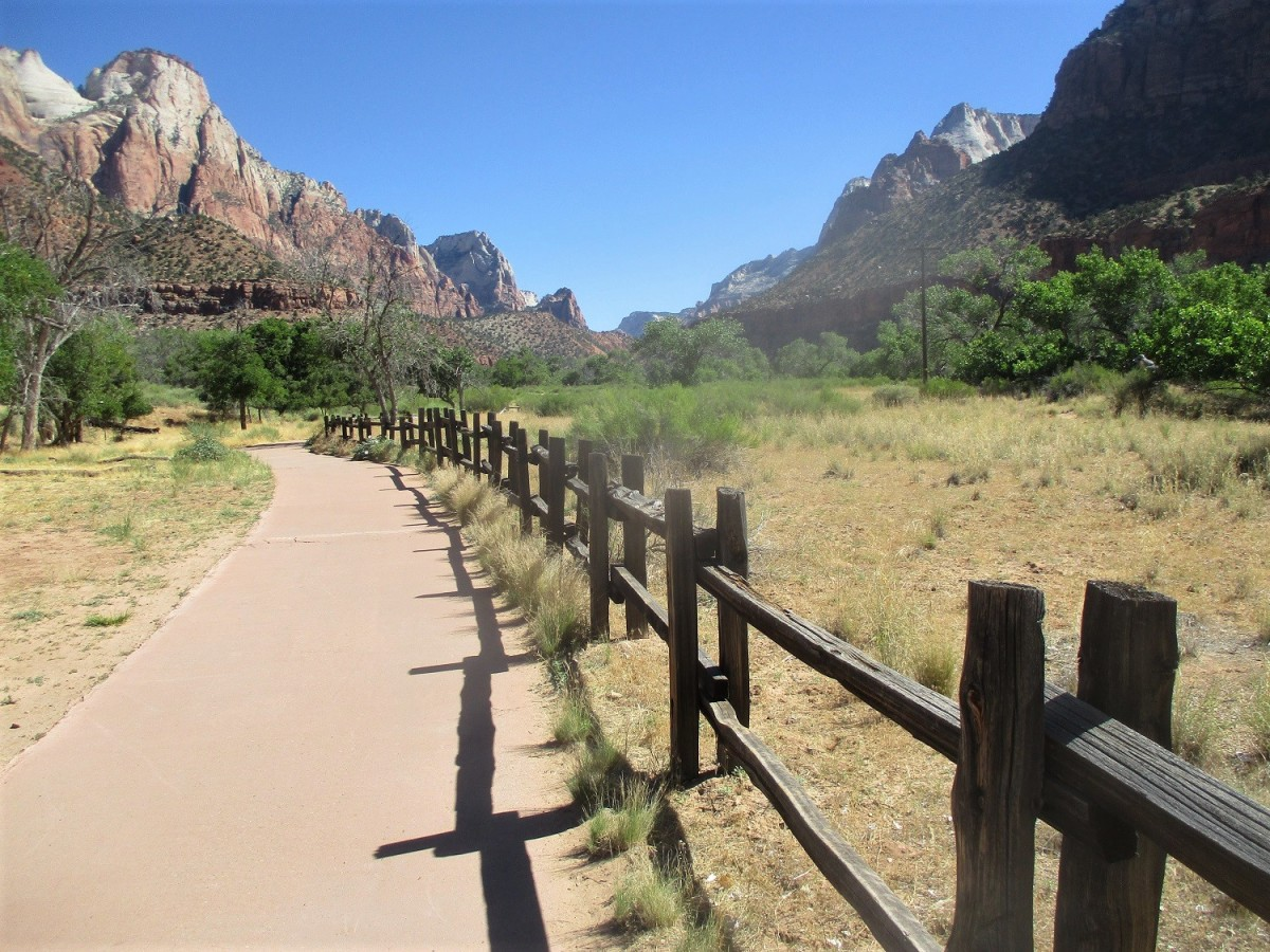 The Pa'rus trail provides excellent views of the surrounding east and west rims of Zion Canyon