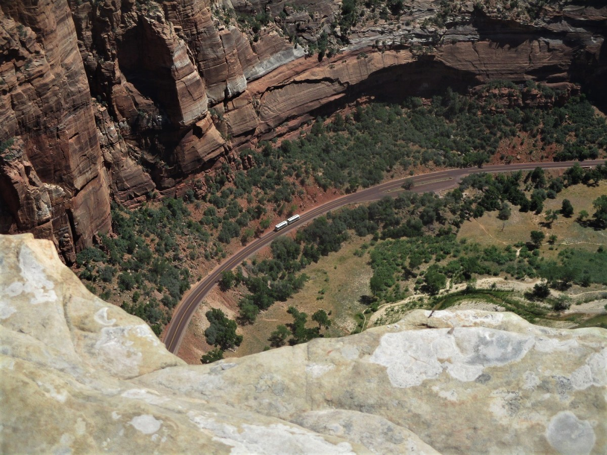 Angels Landing looks 1500 feet straight down to the valley floor