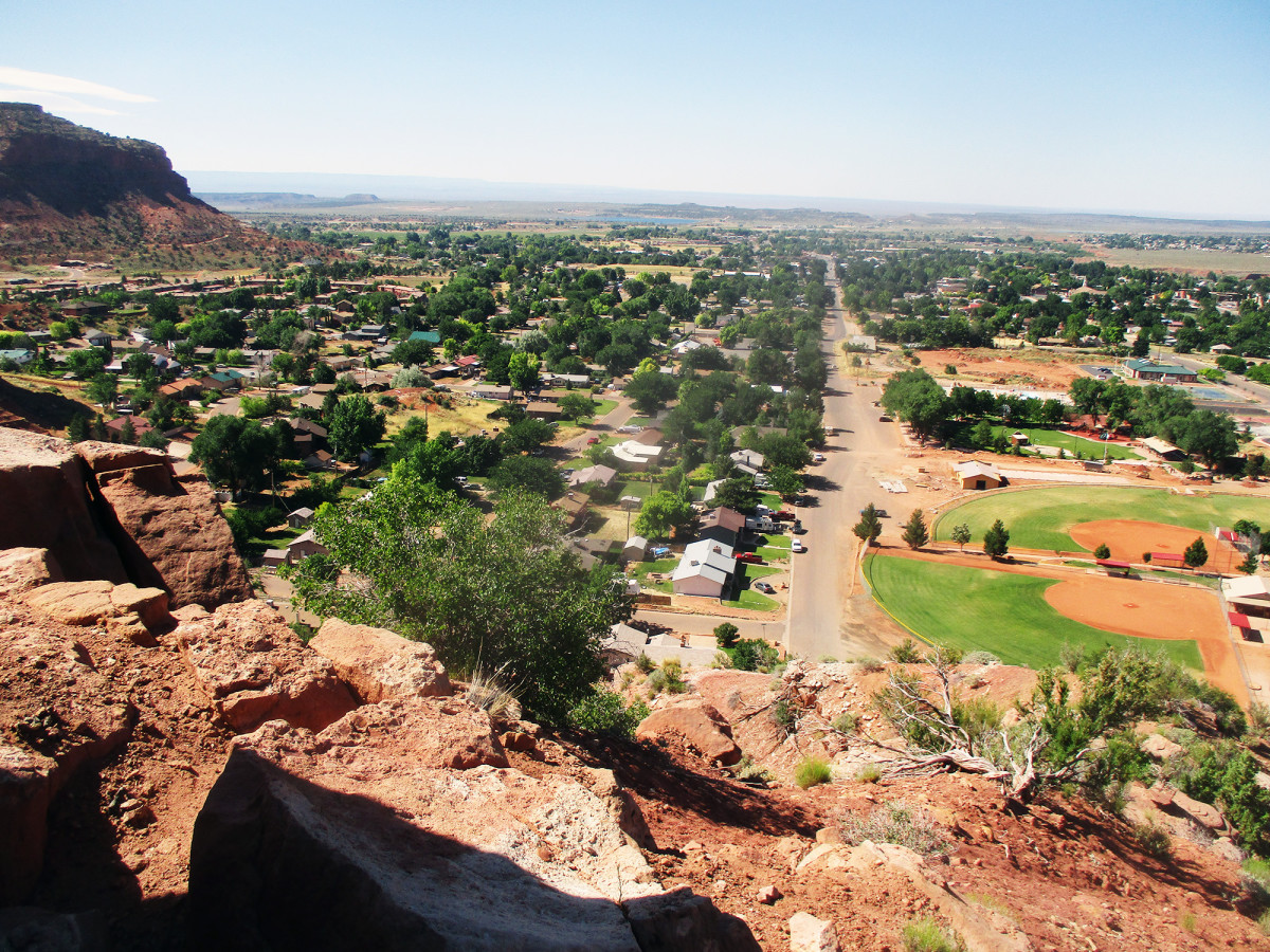 The hills around Kanab provide the hiker with great views, photos by author