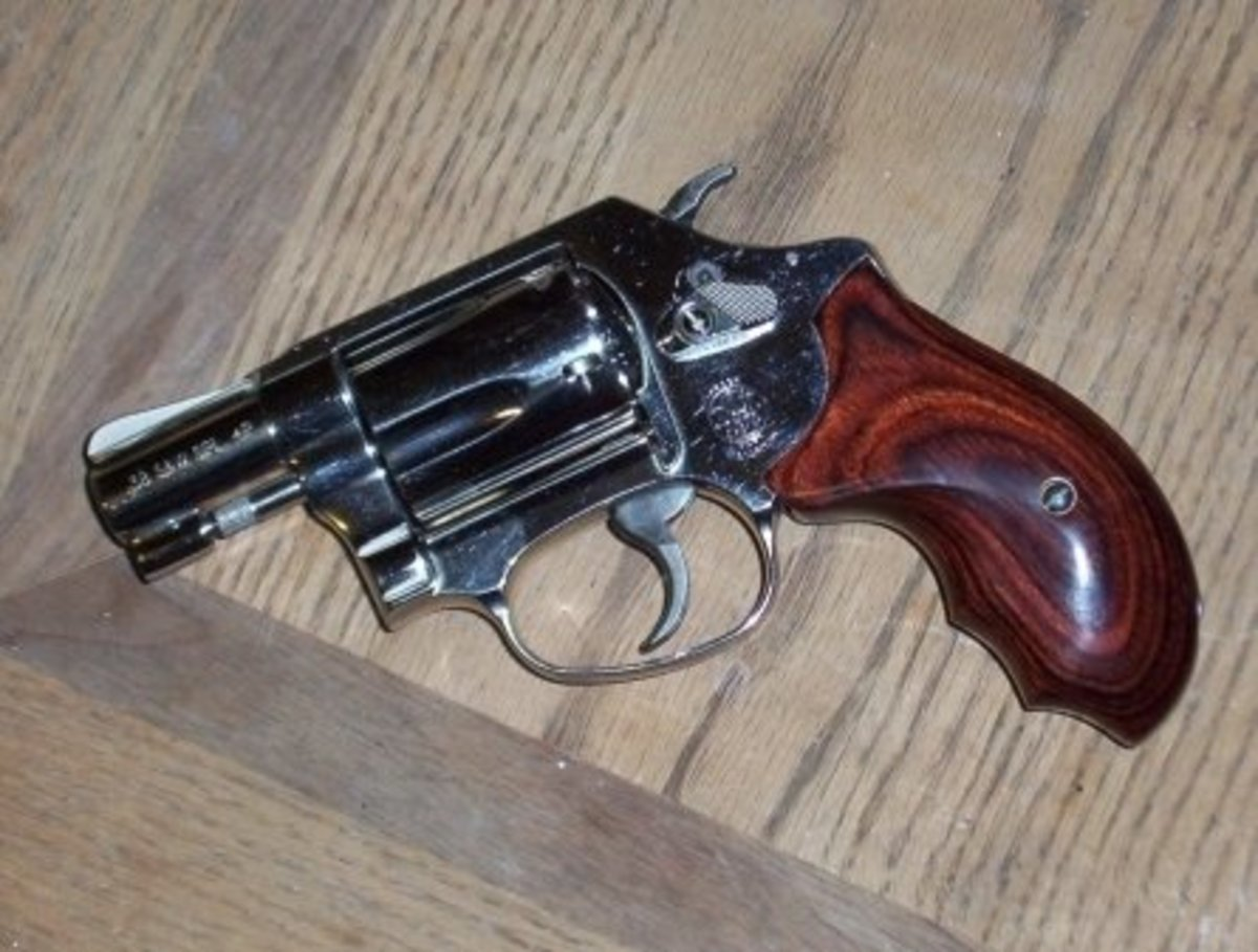 """Snub-nosed revolvers like this S&W Model 36 Chief's Special are called """"belly guns"""" for good reason.  Shoved against an assailant's body, they can still fire a life saving shot, unlike a semi-auto."""