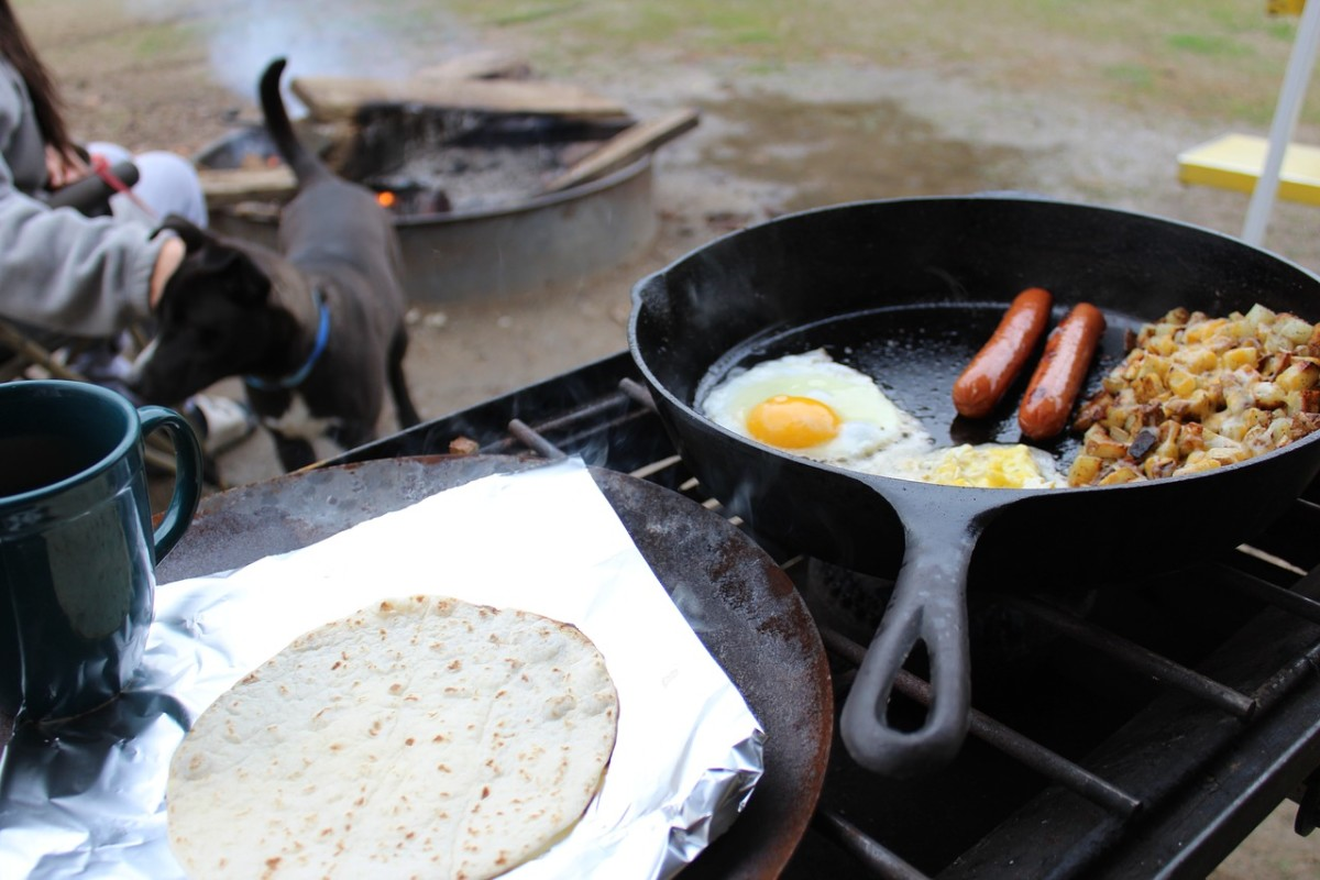 Camp breakfast, brought to you with the help of a good folding knife.