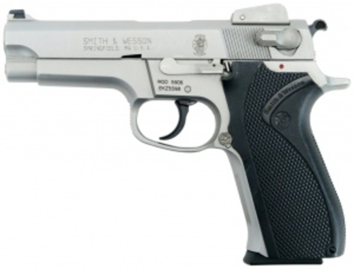 9mm S&W 5906, similar to the FBI's Model 459 used in the Miami shootout.