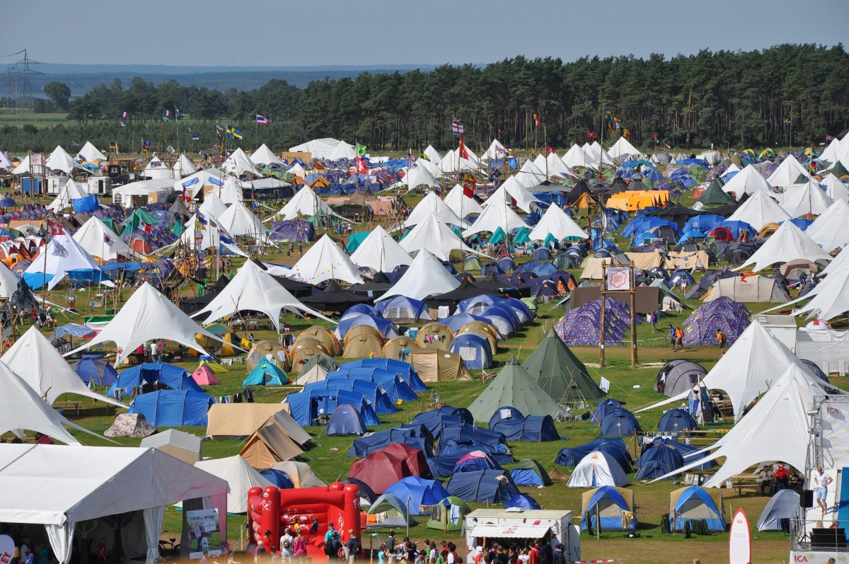 Festival camping can be a much different experience to traditional camping. Expect very crowded campsites and not a lot of peace and quiet.