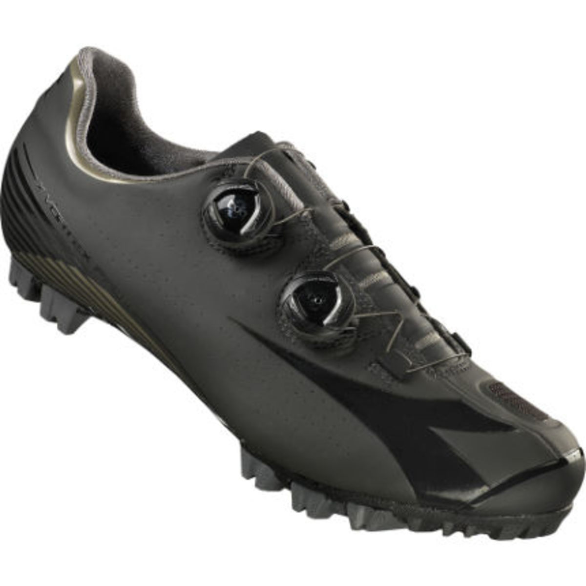 The stealth black colour scheme of the Diadora X Vortex Pro II MTB shoes.