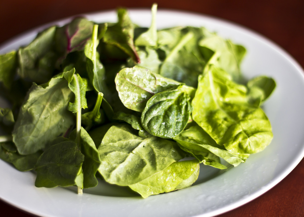 To swap out green beans, have three cups of fresh (or one cup cooked and drained) spinach, a salad of lettuce and a few cherry tomatoes, or the same measurement of just tomatoes.