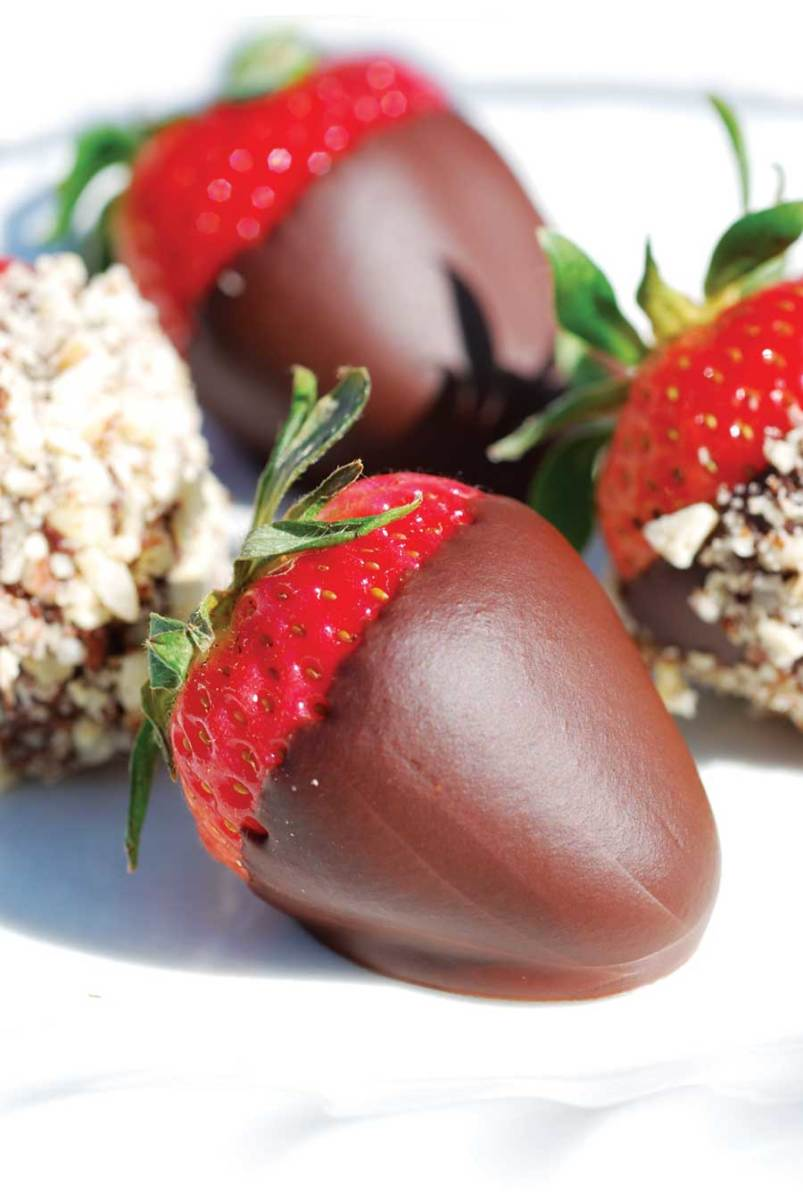 courtesy of http://www.motherearthnews.com/uploadedImages/articles/issues/2009-06-01/MEN-JJ09-eis-chocolate-strawberries.jpg