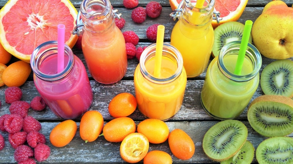 Smoothies and shakes can help you to get the vital nutrients your body needs when trying to lose weight. They are also a great way to get children and the elderly to eat more fruits and vegetables.