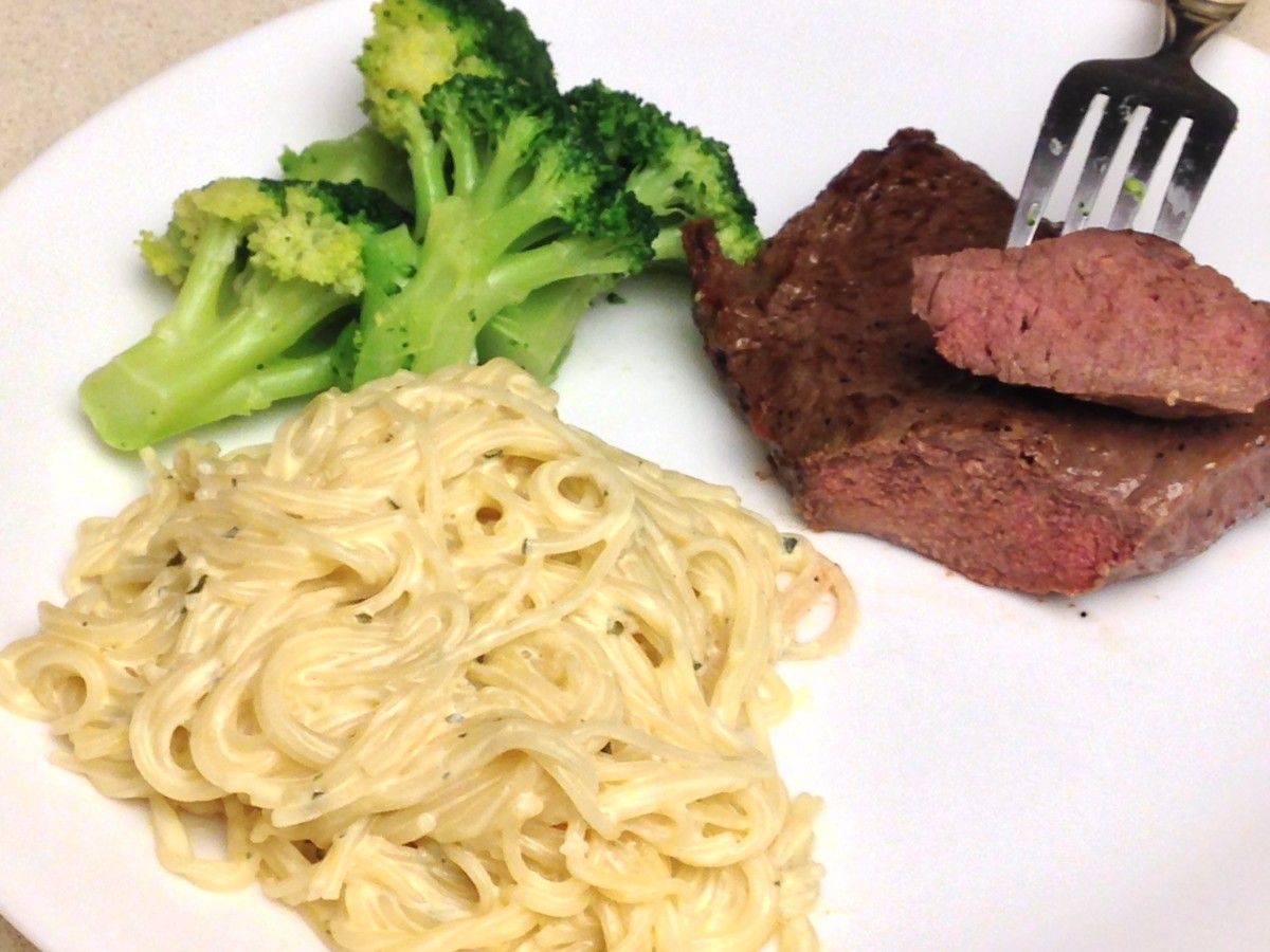 Meal with 7 oz beef sirlion steak. Selenium can be found in lean meats, such as beef.