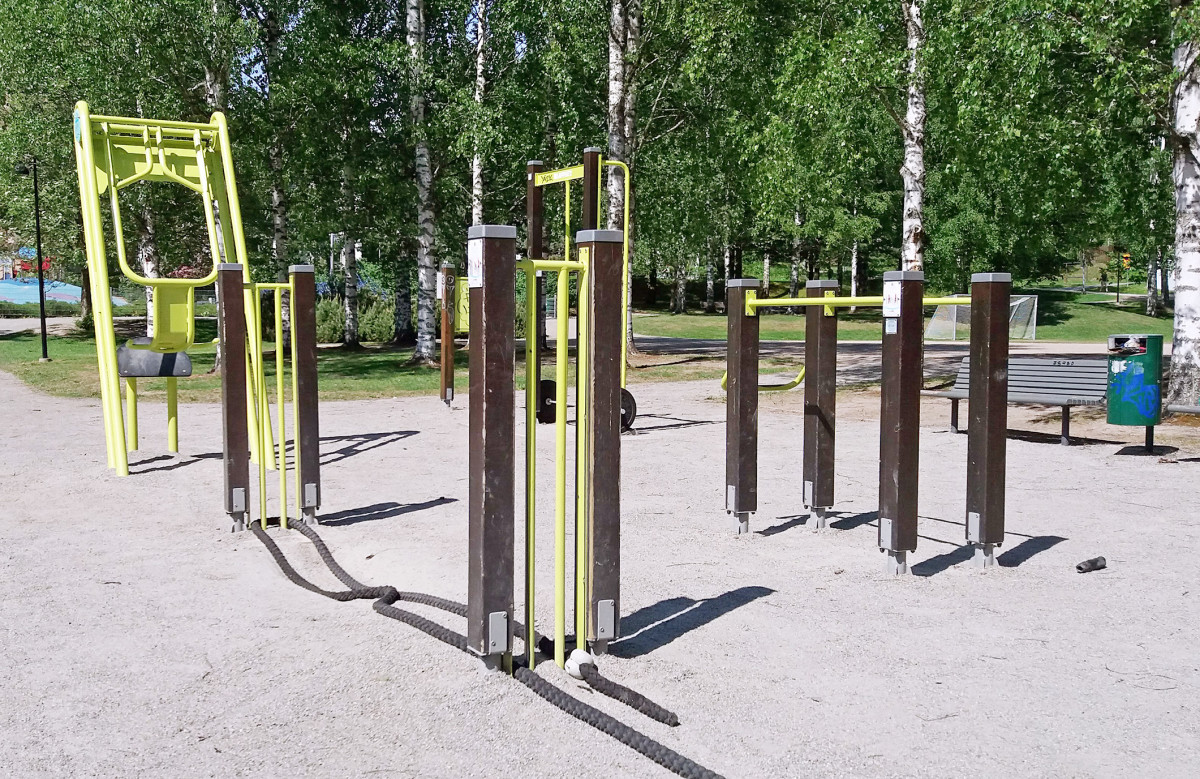 Fully equipped outdoor gym!