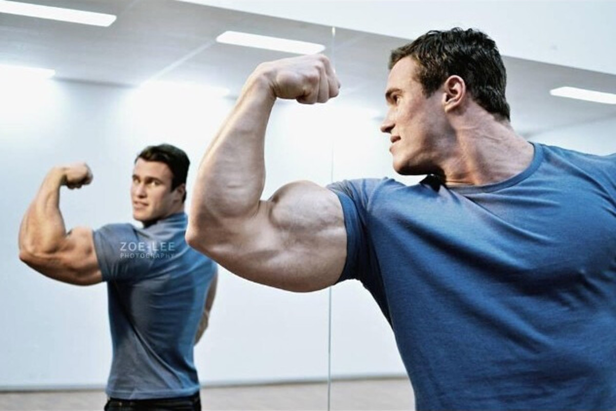 Isometric biceps contractions build the mind-muscle connection