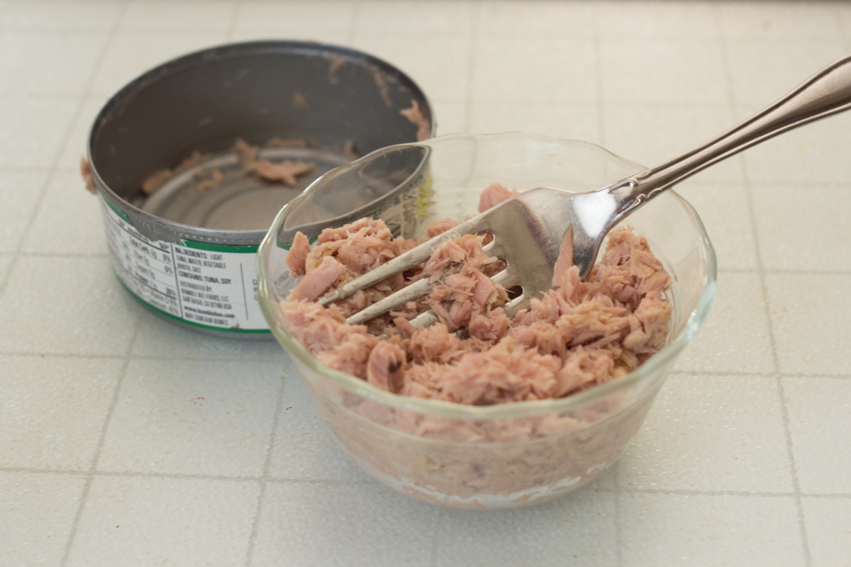 Fish, including canned tuna, is an excellent source of several essential amino acids, including isoleucine, phenylalanine, and threonine.