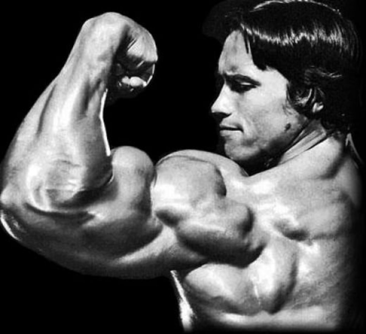 Arnold Schwarzenneger had good mind-to-muscle connection because he practiced flexing.