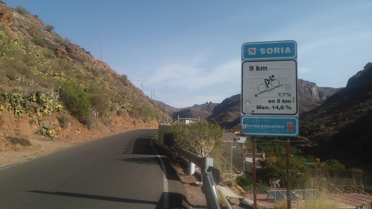 Signage on the Soria climb
