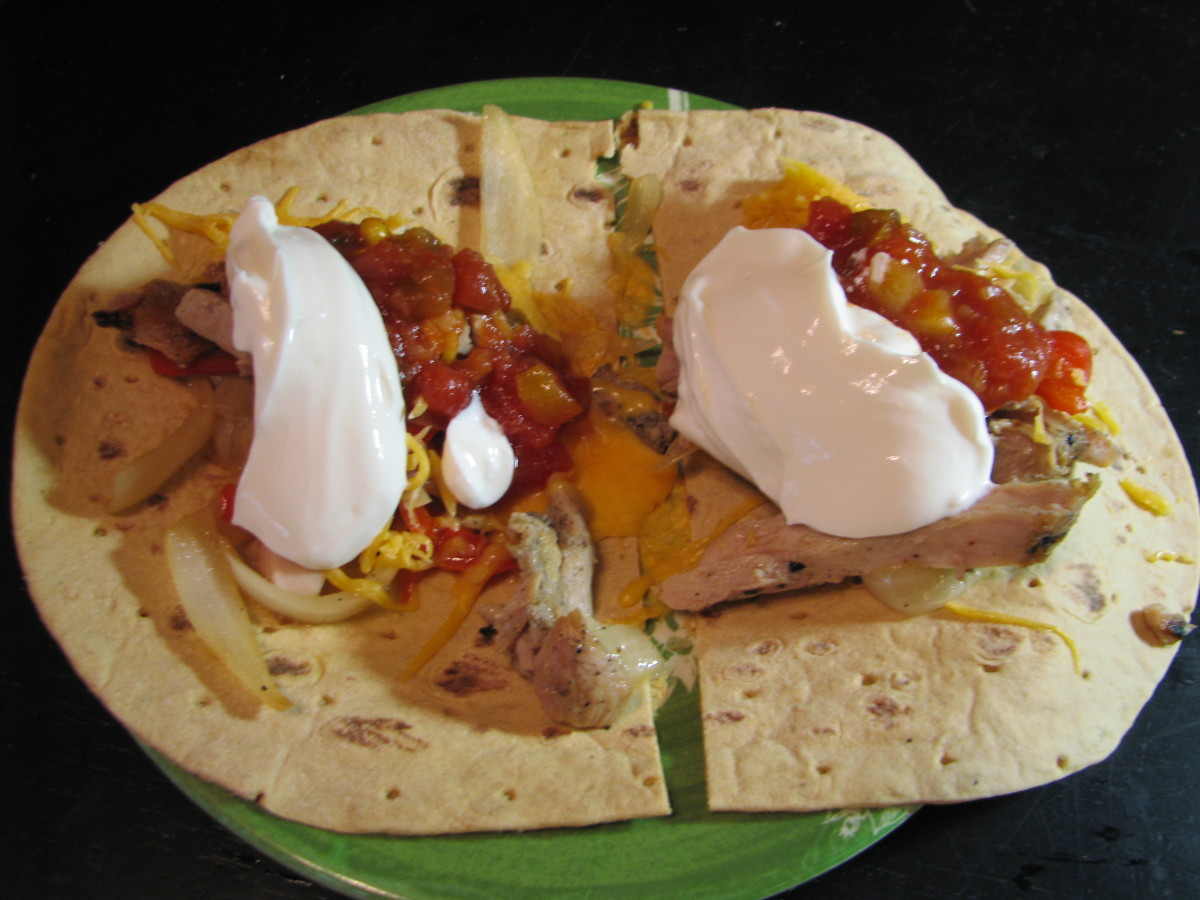 Skillet Fajita with chicken, fat free cheese, fat free sour cream and salsa.