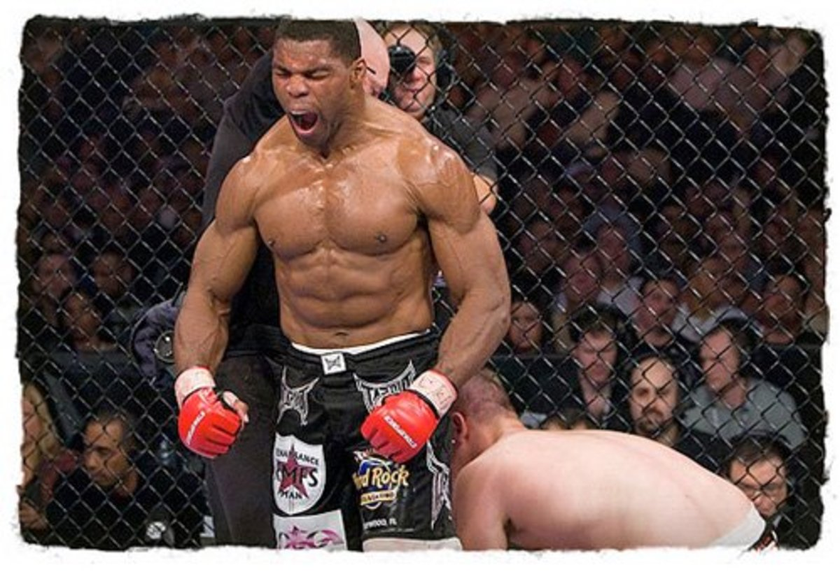 Herschel Walker in his current incarnation as an MMA competitor.