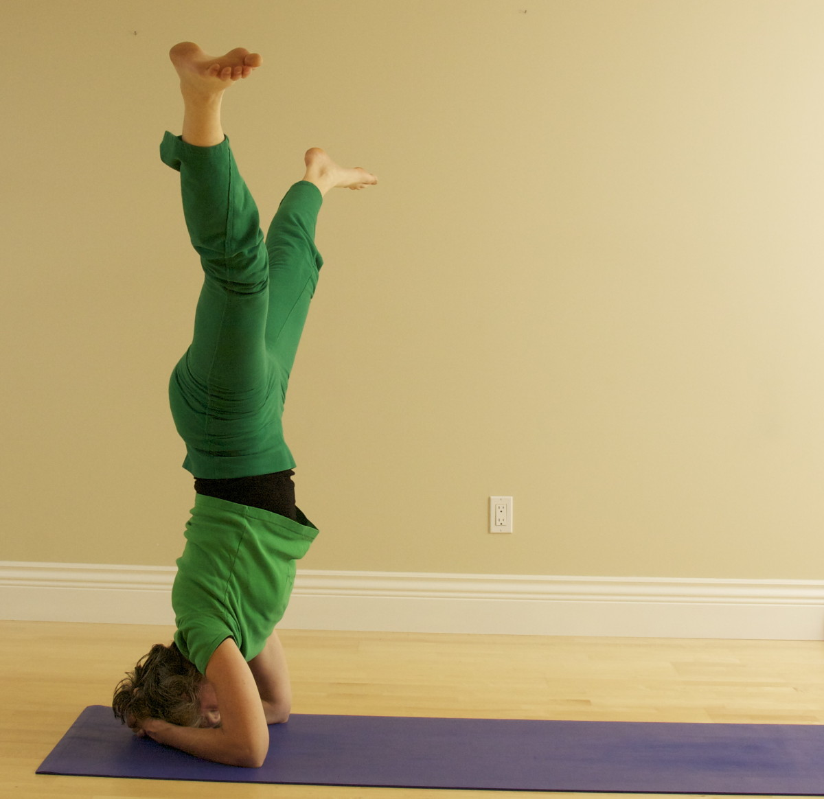 Side Splits in Headstand