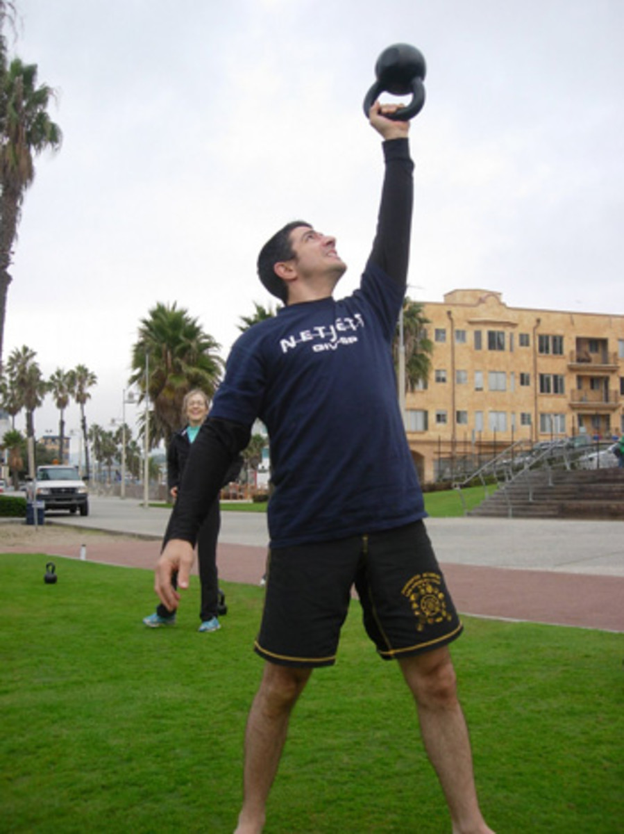 Kettlebells Calisthenics Killer Workout