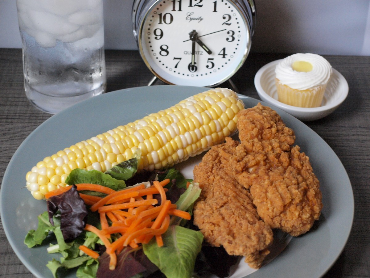 Dinner should be a full meal, with protein and vegetables. Make sure you're finished eating at the end of the 8-hour window.
