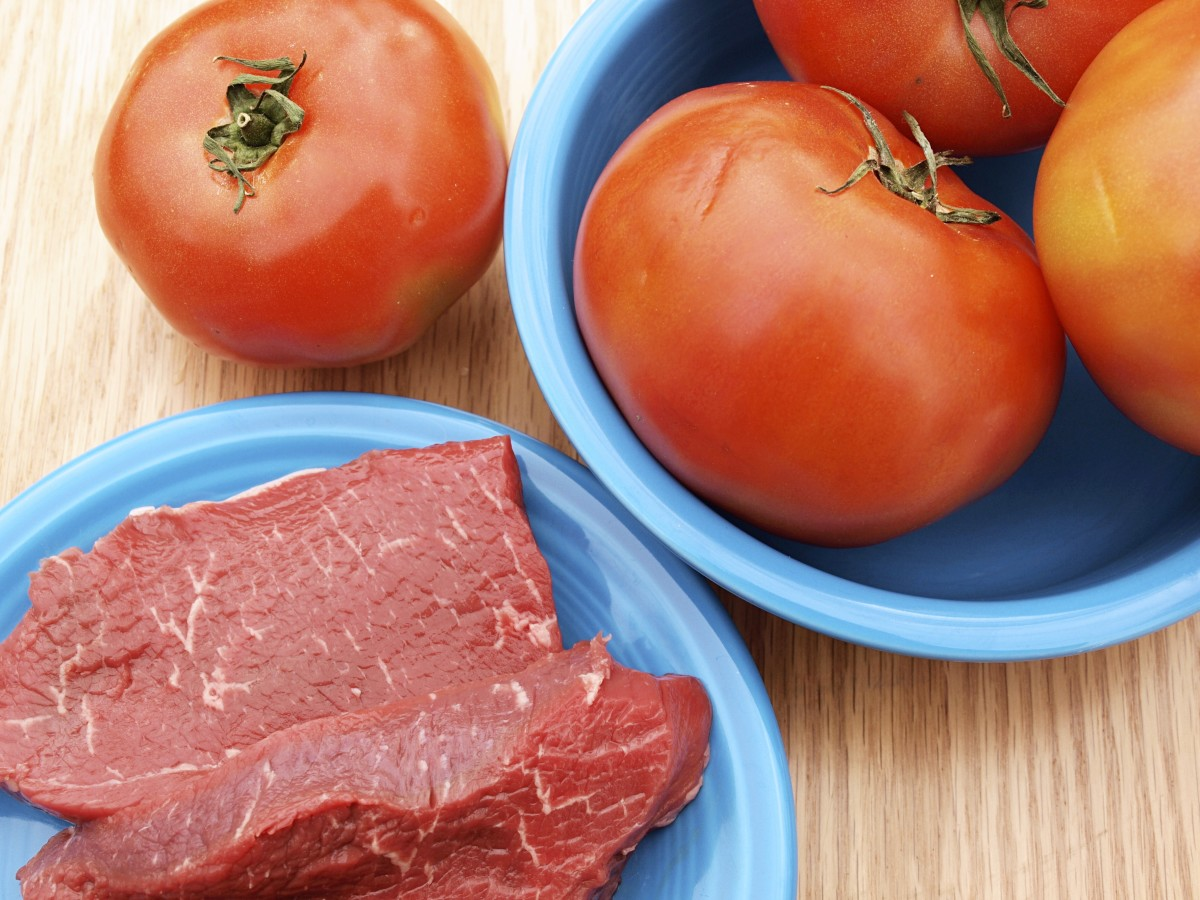 Day five of the GM diet is beef and tomato day.