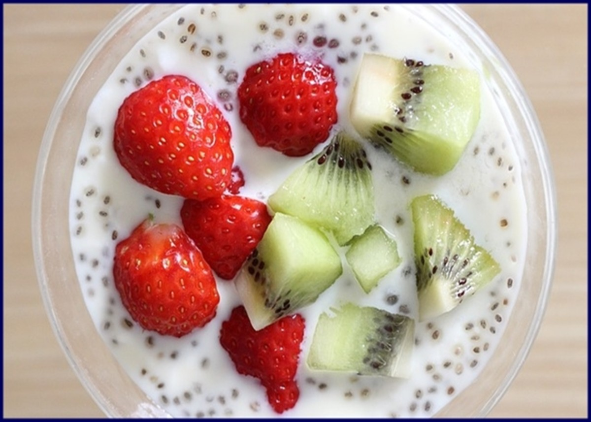 Chia seeds, yogurt and fruit - a delicious, filling and low-calorie snack