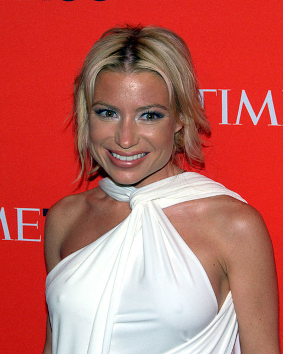 Tracy Anderson will work your butt and thighs without any fitness equipment.