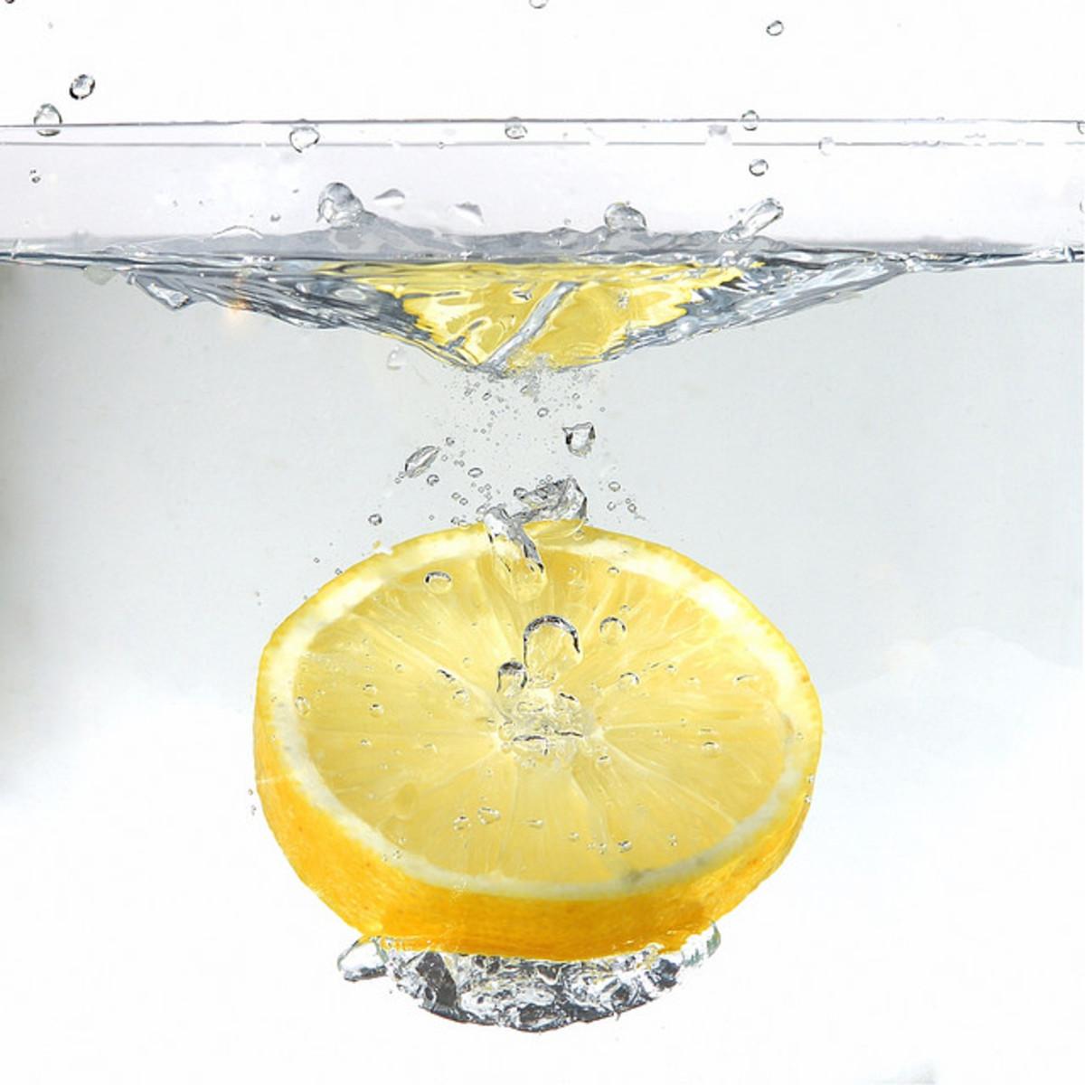 Refreshing lemon in water