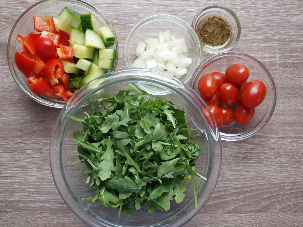 Ingredients for my 77-calorie salad.