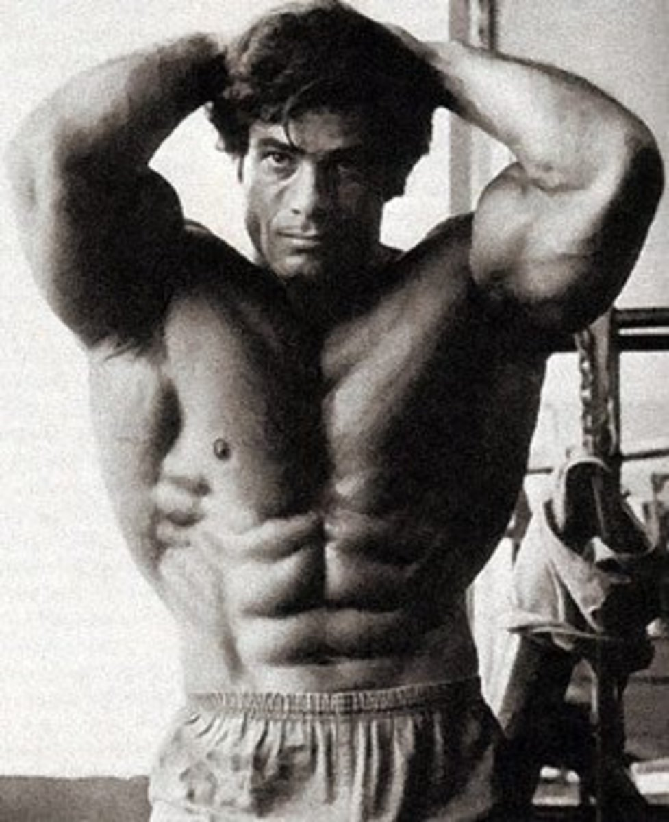 This is an example of an extremely strong core. Franco knows a thing or two about abs.