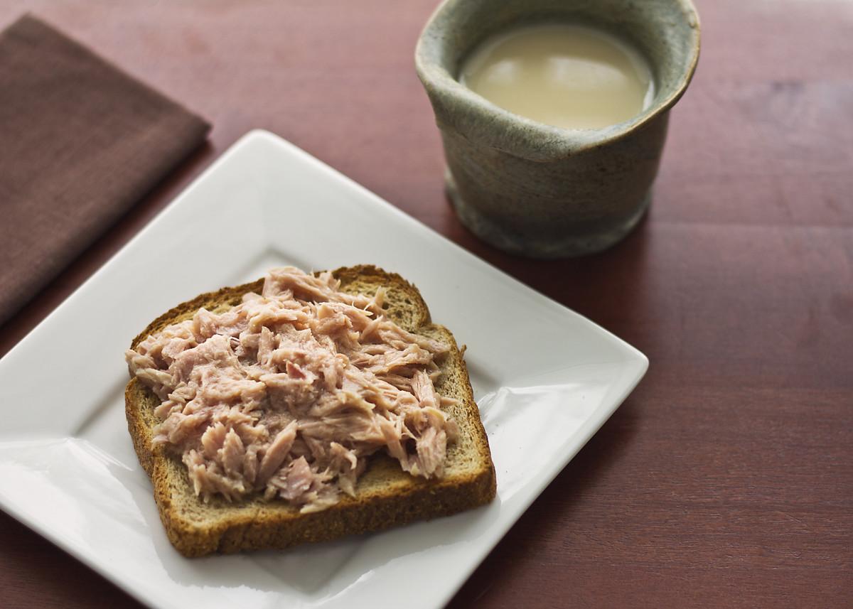 Lunch: tuna on toast.