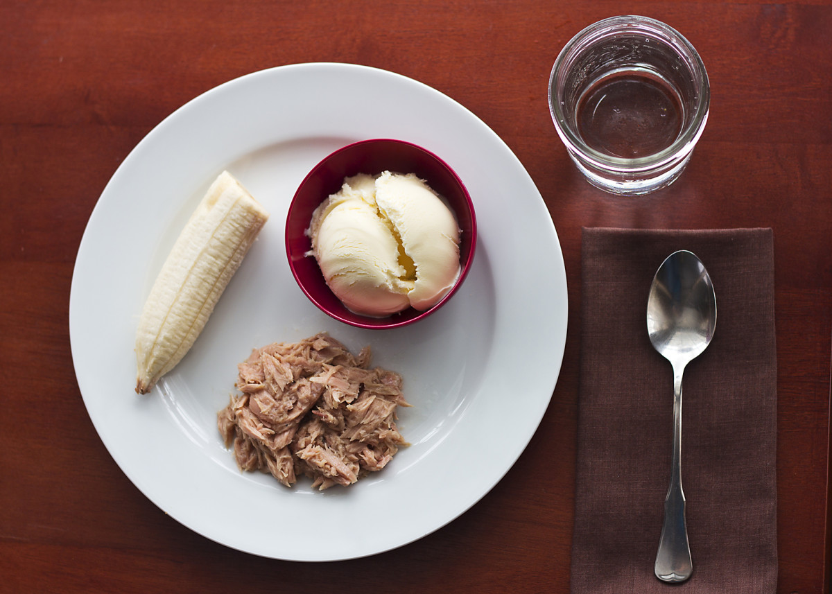 Dinner: Tuna, banana, and vanilla ice cream.