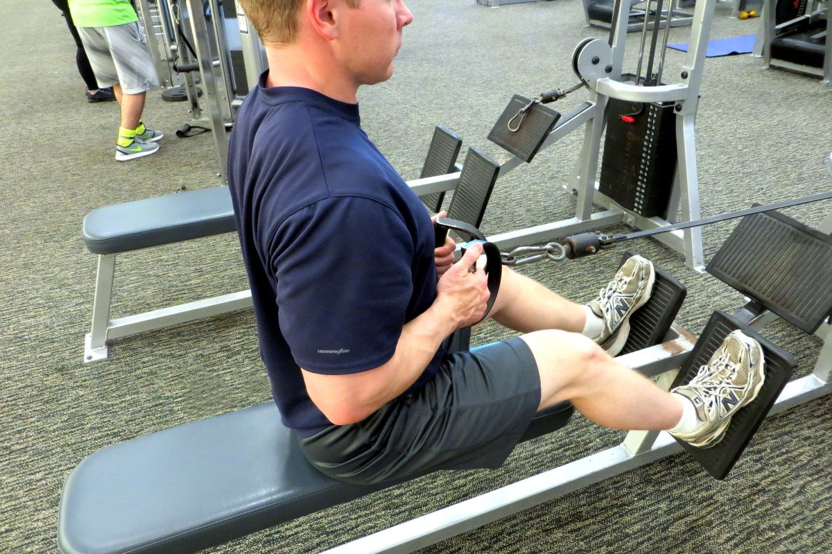 how-to-do-a-close-grip-seated-cable-row-with-proper-form