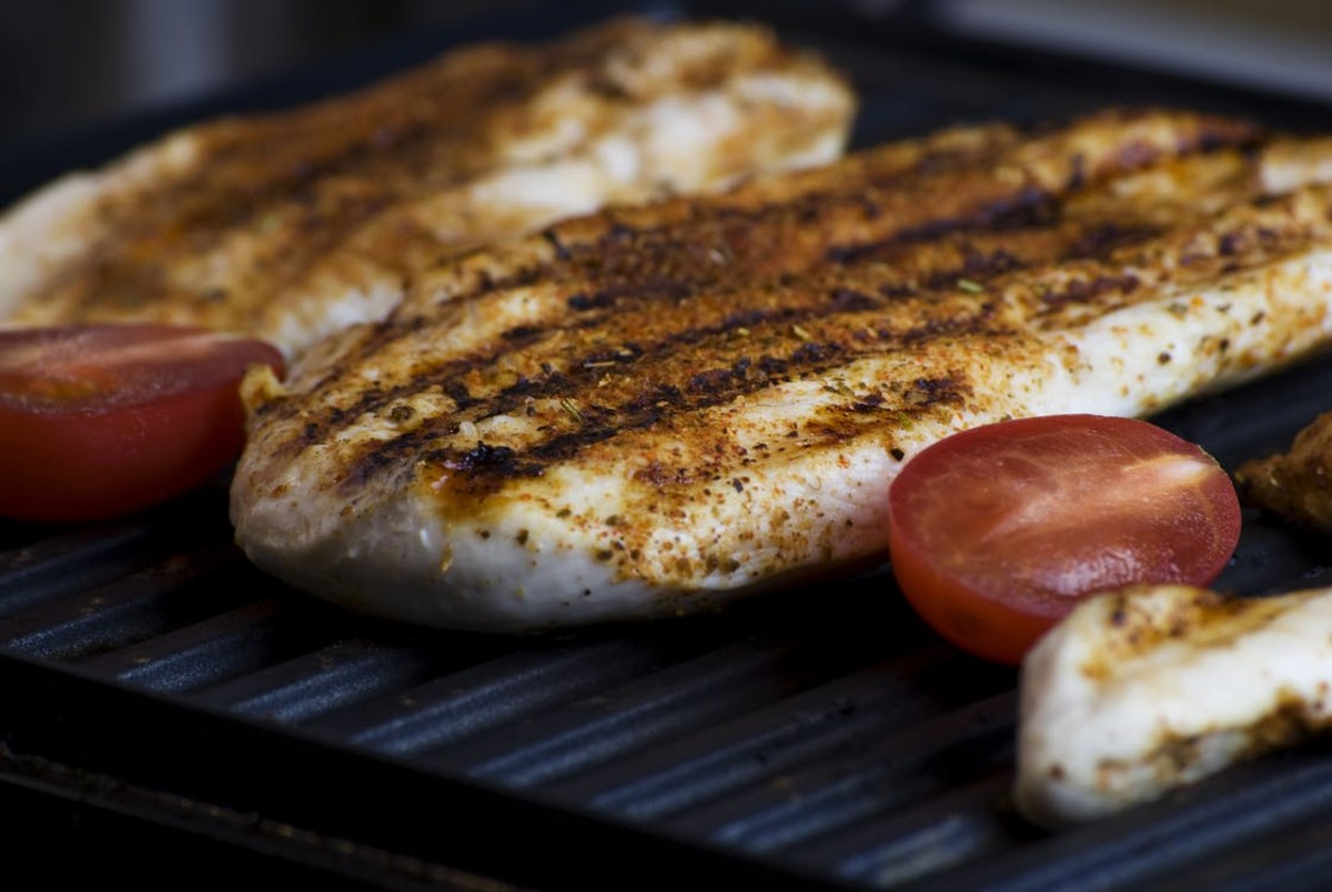 While vegetable-based proteins are best, lean meats like grilled chicken are also heavy options.
