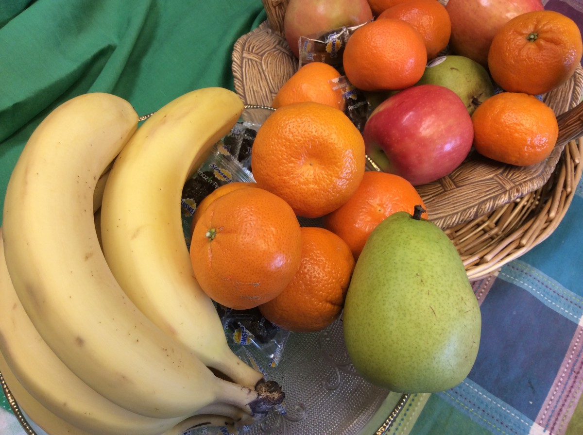 Keep fruits in plain sight: hide the cookies.