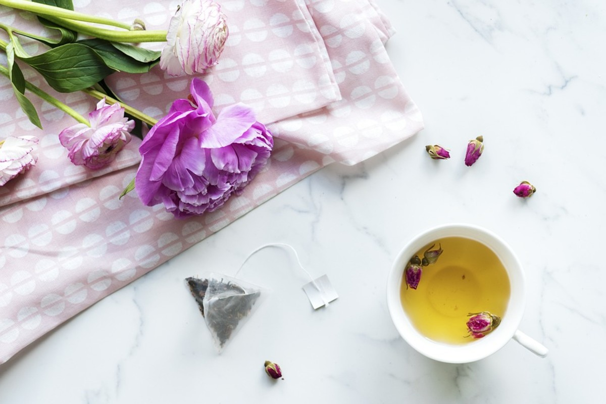 There is some evidence that rose tea may be helpful in reducing the risk of cancer.