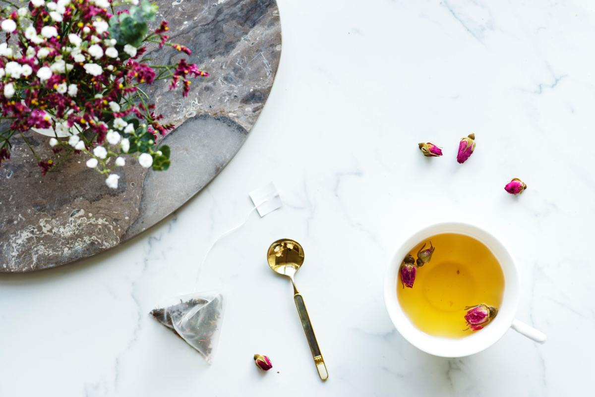 Rosebud tea may help to improve your mood and reduce stress.