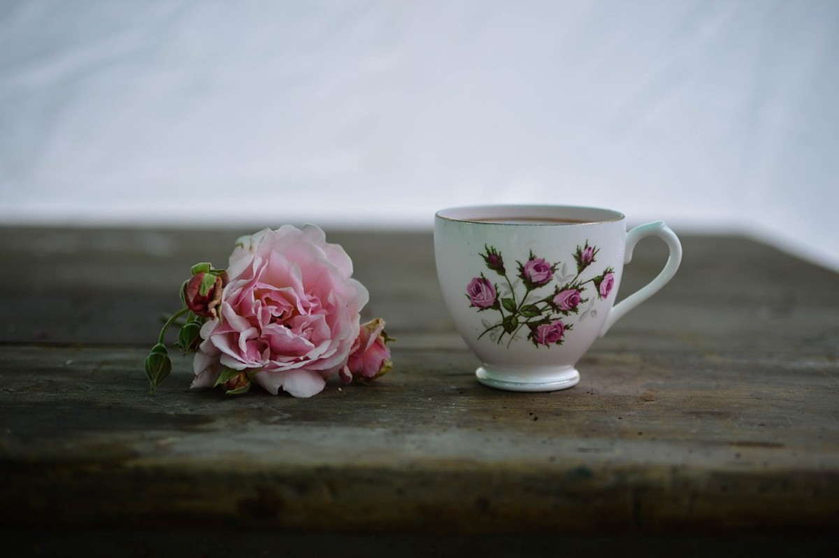 Rose tea can help improve digestion.