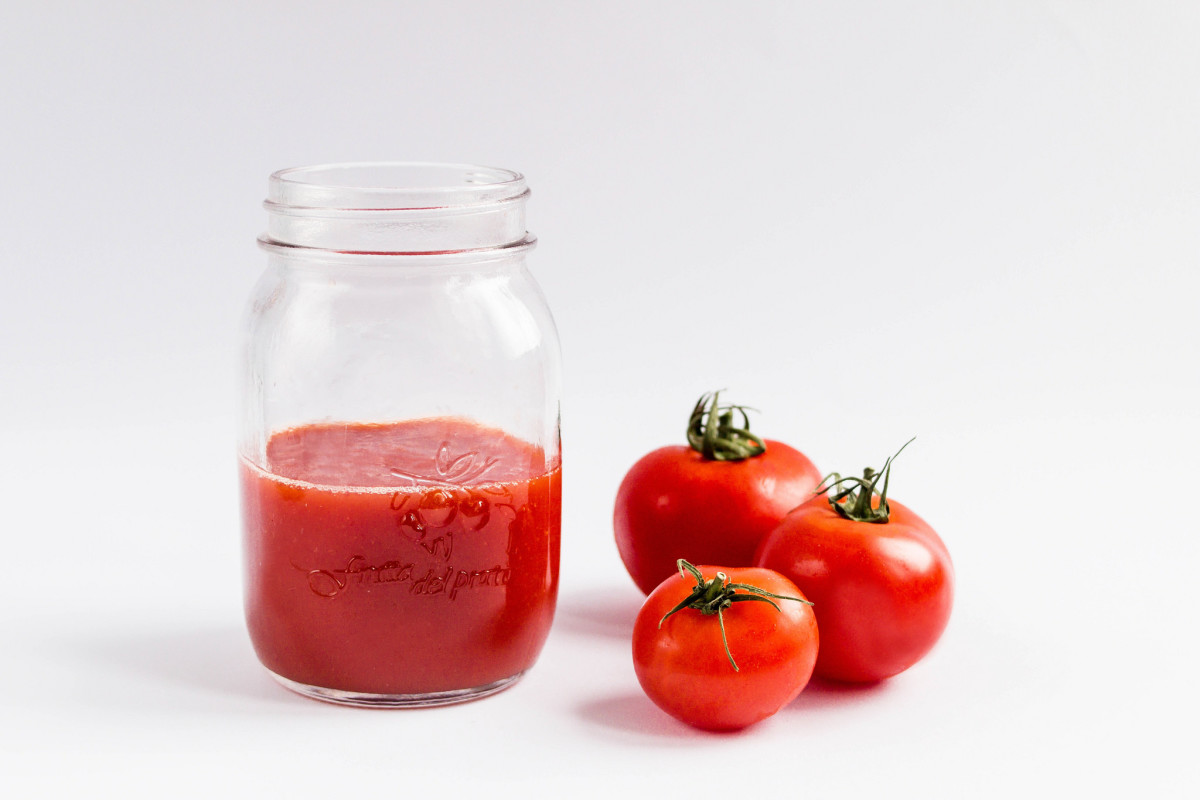 Juice cleansing can have many benefits, such as increased vitamin, minerals, and nutrient intake.