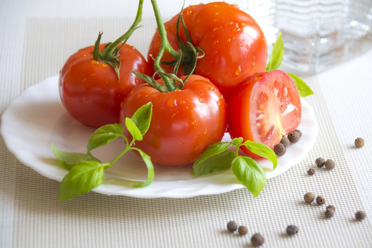 Fresh tomatoes are a versatile and highly nutritious food.