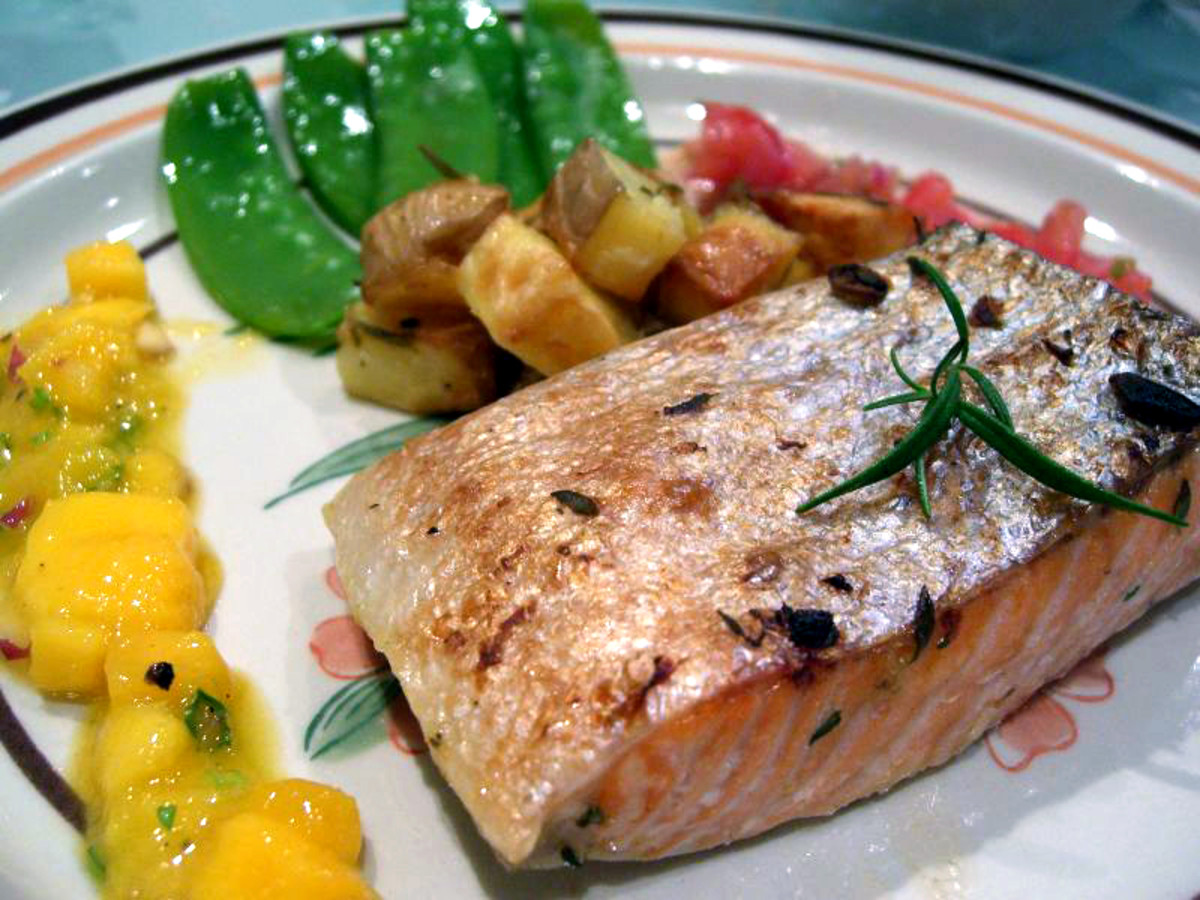 Grilled salmon and natural vegetable oils are good sources of healthy proteins and fats